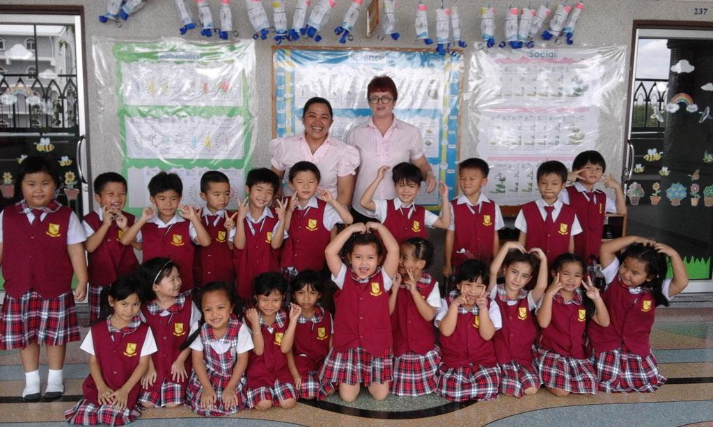 IN DIE THAILANDSE ENGELSE KLASSE – Marietjie Klynsmith
