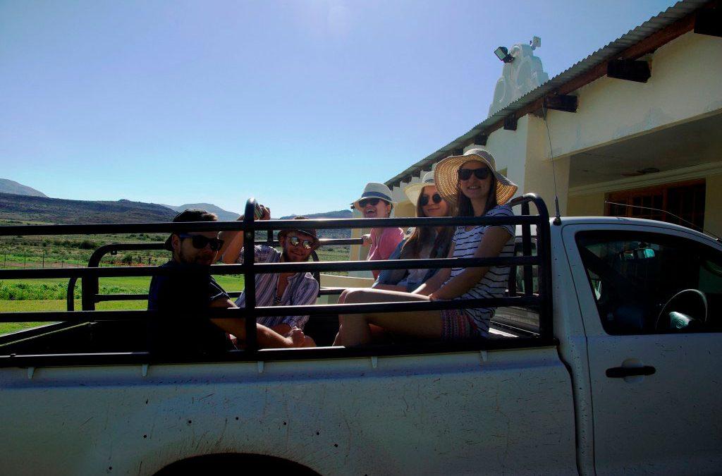Worldwide: Polish students tour South Africa in Afrikaans – Prof. Fanie Olivier, Agata Leśnowolska & Zuzanna Waliszewska