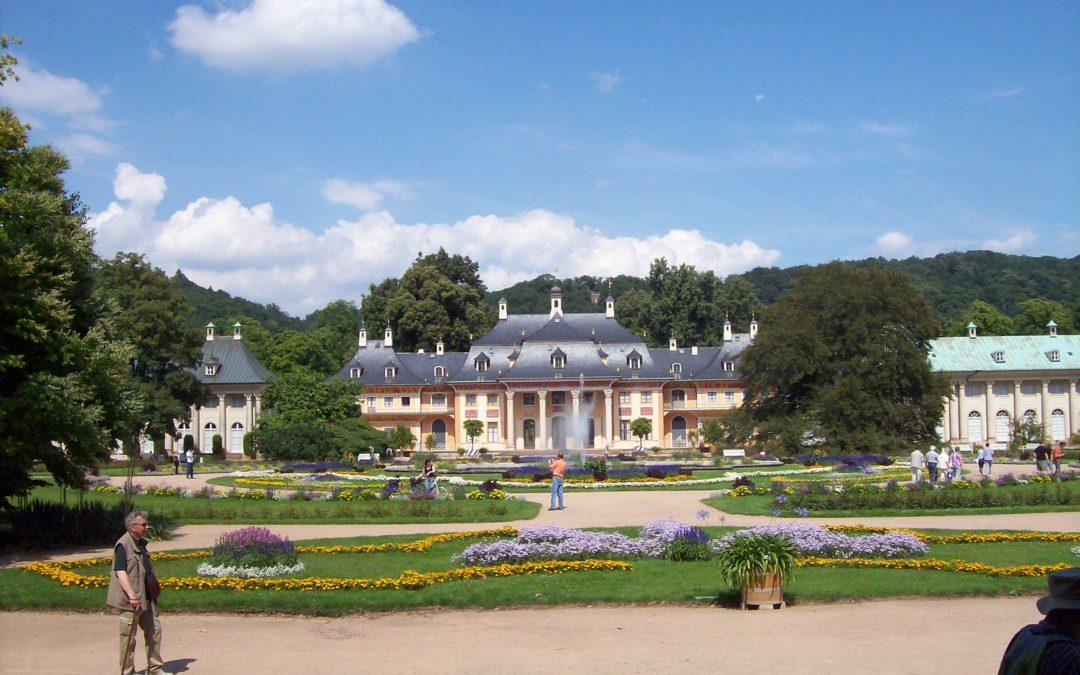 Schloss Pillnitz naby Dresden in Duitsland