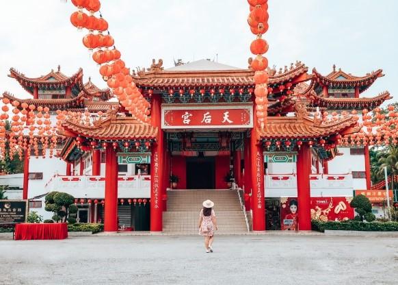 Kuala Lumpur: Temples and caves